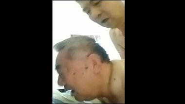 Chinese grandpa and daddy (完整版在私密 full in my private)