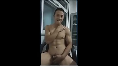 chinese muscle handsome man jerk off cum shot big dick