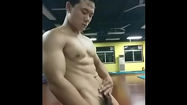 CN - trainer cums in gym room