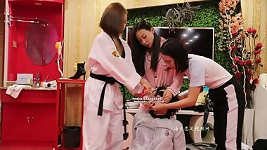chinese foot worship-3 girl foot worship