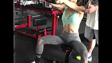 Classy Chinese FitGirl got some nice abs