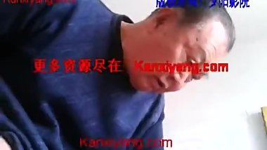 Chinese oldman sucked young guy's cock
