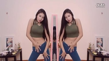 Chinese Girl Sexy Dance