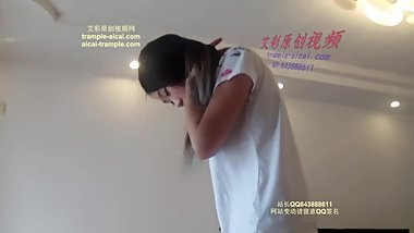 Chinese Mistress converse feed and trampling cum
