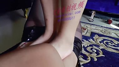 chinese foot worship-lesbian foot trample