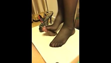 Chinese femdom- foot worship-PP1