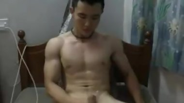 chinese-gym-instructor