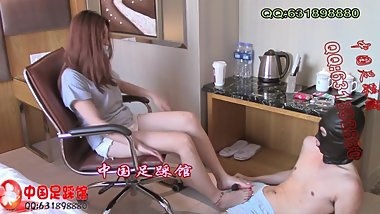 宝宝 fetish trample and handjob