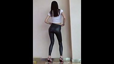Asian ladies dancing in shiny leggings (MV/compilation)