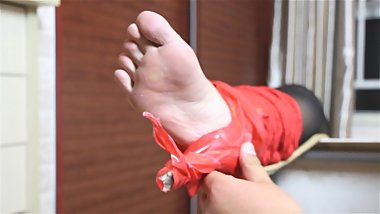 Chinese Foot Tickling (4)